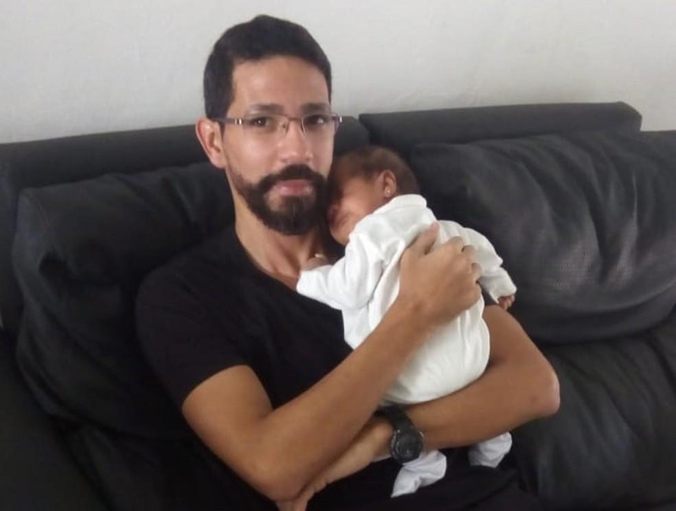 Bebê estava com suposto pai e a mãe dele quando passou mal ao ingerir duas mamadeiras de leite — Foto: Arquivo pessoal