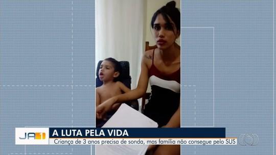 Mãe luta para conseguir cirurgia para filho de 3 anos com doença rara, em Senador Canedo