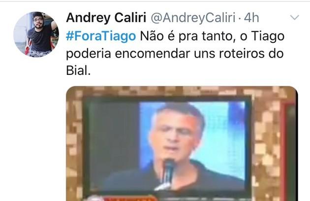Meme com os pedidos da saída do apresentador Tiago Leifert do 'Big Brother' (Foto: Reprodução/Twitter)