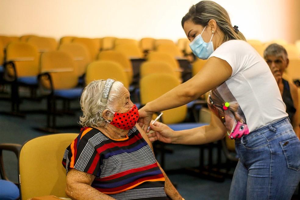 Vacinação contra Covid-19 em Macapá — Foto: PMM/Divulgação