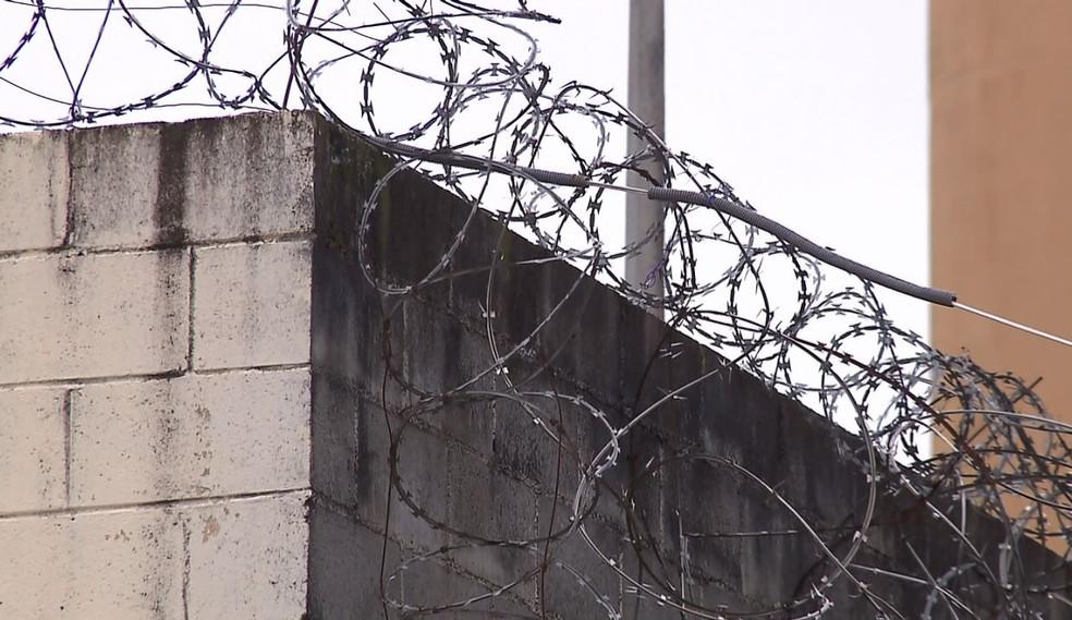 Transferência de custódia de presos para o Depen permitiu o fechamento de 73 carceragens e liberou 4 mil policiais civis — Foto: Reprodução/RPC