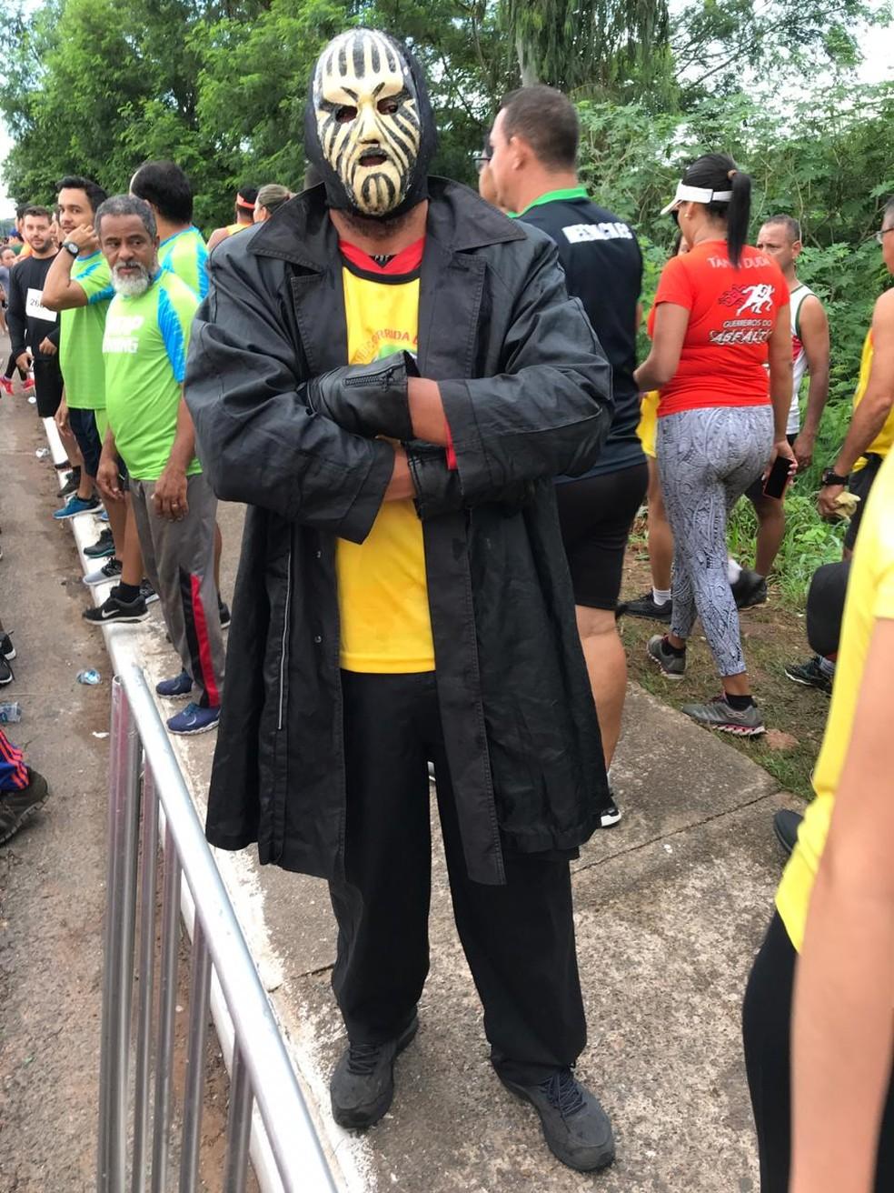 Vander Rondão, o Mister M da Corrida de Reis  — Foto: Flávio Passos/ TVCA