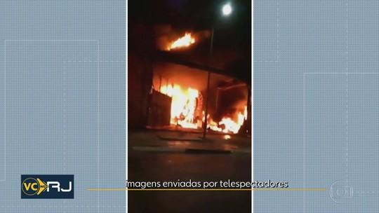 Incêndio atinge barracão da Porto da Pedra, no Santo Cristo, na Zona Portuária do Rio