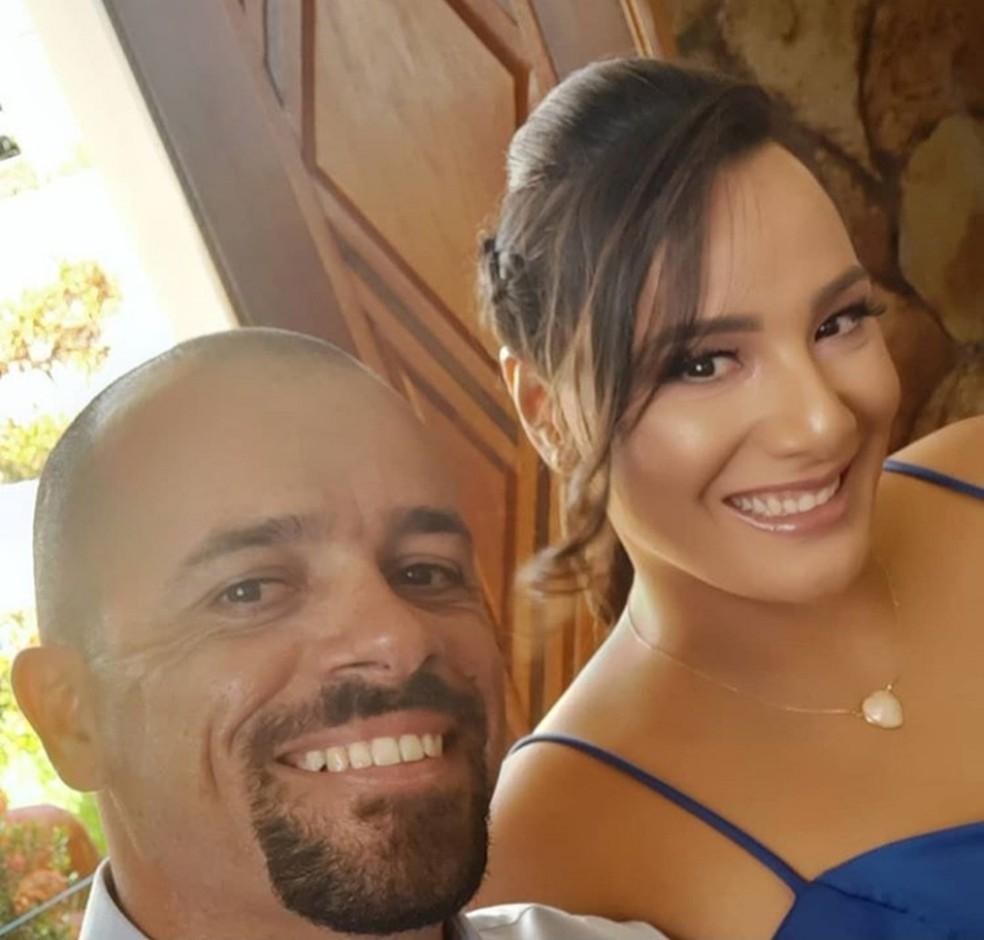 Kaline e Enderson aguardam há dois anos na fila de adoção, na Paraíba — Foto: Kaline Duarte/Arquivo Pessoal