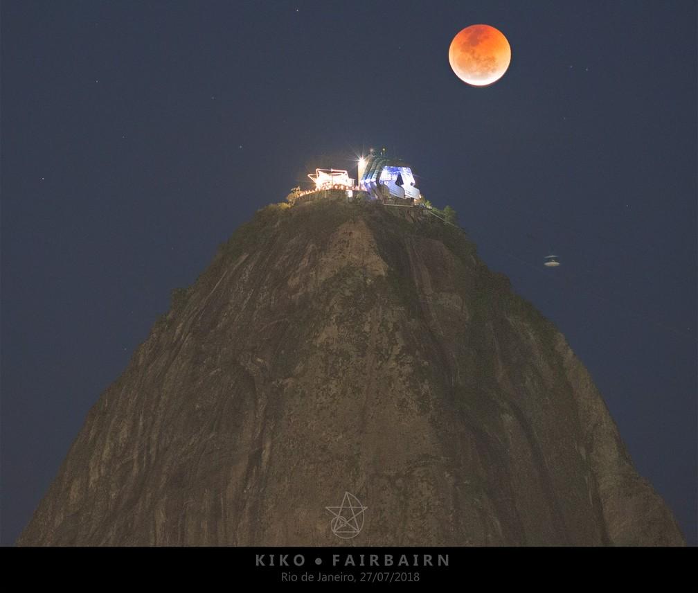 Eclipse lunar fotografado no Pão de Açúcar na sexta-feira, 27. (Foto: Carlos Kiko Fairbairn/Facebook)