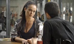 Na segunda-feira (17), depois da morte de Edliene (Cynthia Senek), Cosme (Osvaldo Mil) vai contratar Chiclete (Sergio Guizé) para matar Vivi (Paolla Oliveira) | Reprodução