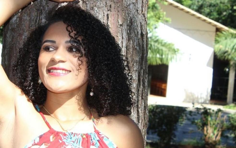 Doméstica e babá Winaria Oliveira, de 30 anos — Foto: Reprodução/Facebook