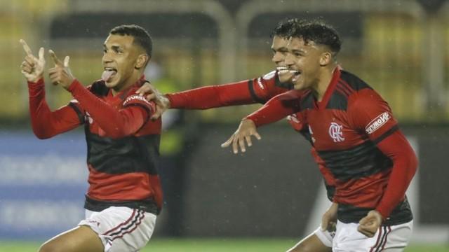 gilvan Flamengo marca no fim, goleia o Vasco em Volta Redonda e é campeão brasileiro sub-17
