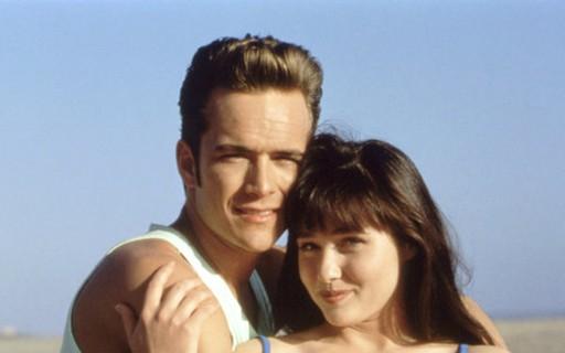 Atriz de 'Barrados no Baile' é escalada para homenagem a Luke Perry na série 'Riverdale'