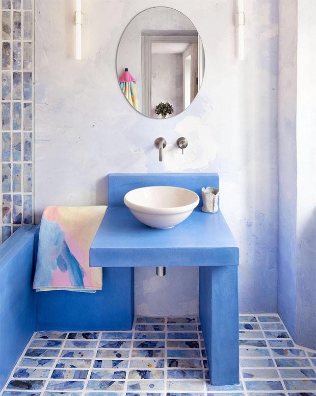 Décor do dia: banheiro apaixonante em tons azuis (Foto: GIULIO BOEM )