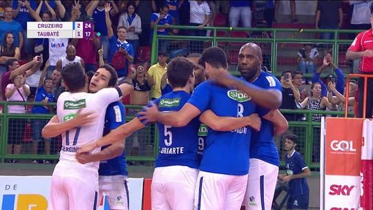 Com nove aces de Simon, Cruzeiro vence Taubaté na última rodada da Superliga