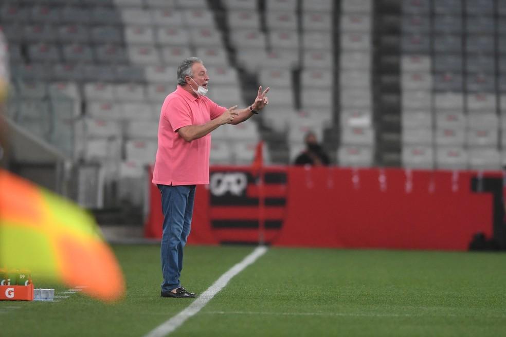 Abel Braga disse que Furacão mudou forma de atuar na Arena da Baixada — Foto: Ricardo Duarte/Divulgação, Inter