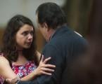 Lourdes Maria (Bruna Linzmeyer) se encontrará novamente com Olavo (Tony Ramos) e o beijará | TV Globo