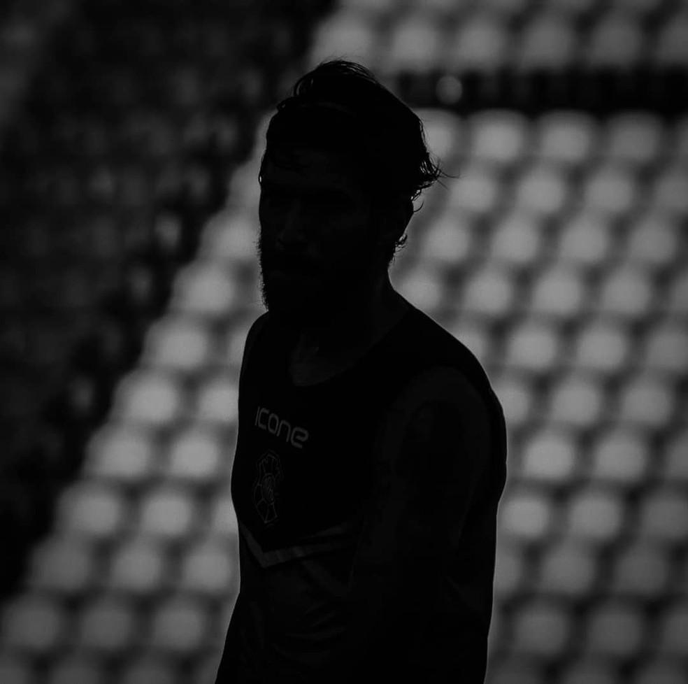 """Loco Abreu """"sai de cena"""" indignado com o futebol capixaba — Foto: Renan Moreira"""