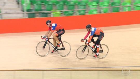 Atletas olímpicos treinam nos locais de competição da Rio 2016