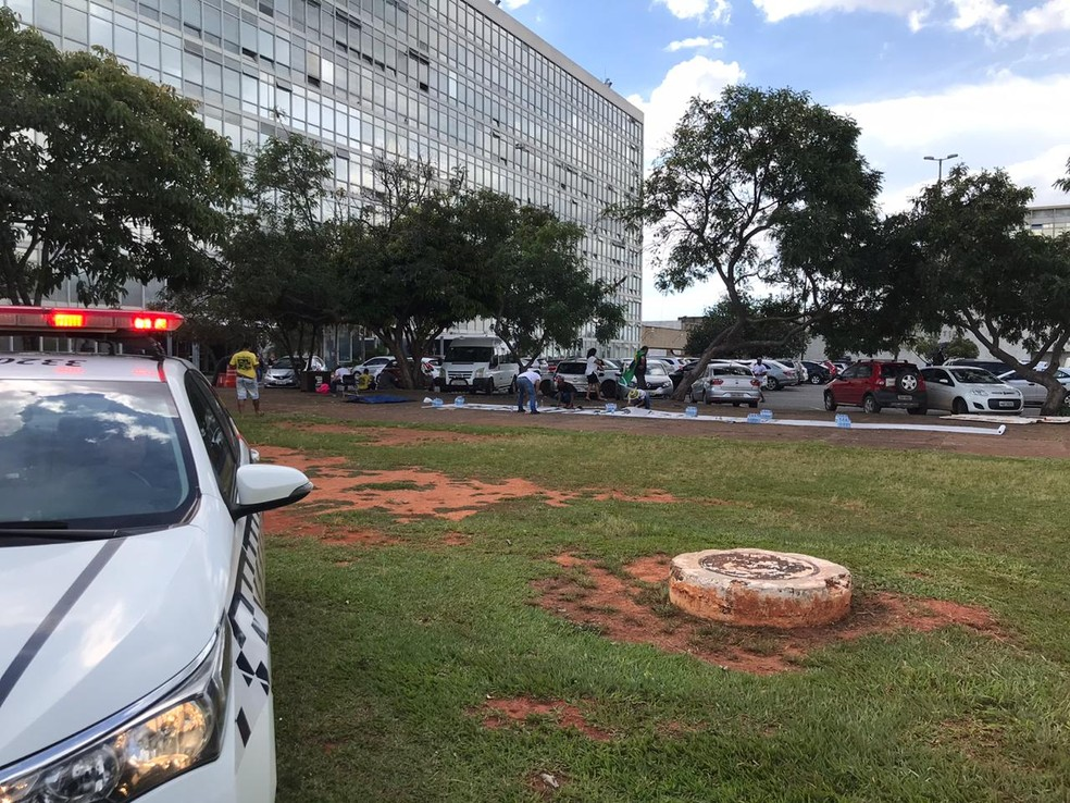 Acampamento de apoiadores de Jair Bolsonaro em Brasília — Foto: Afonso Ferreira/G1