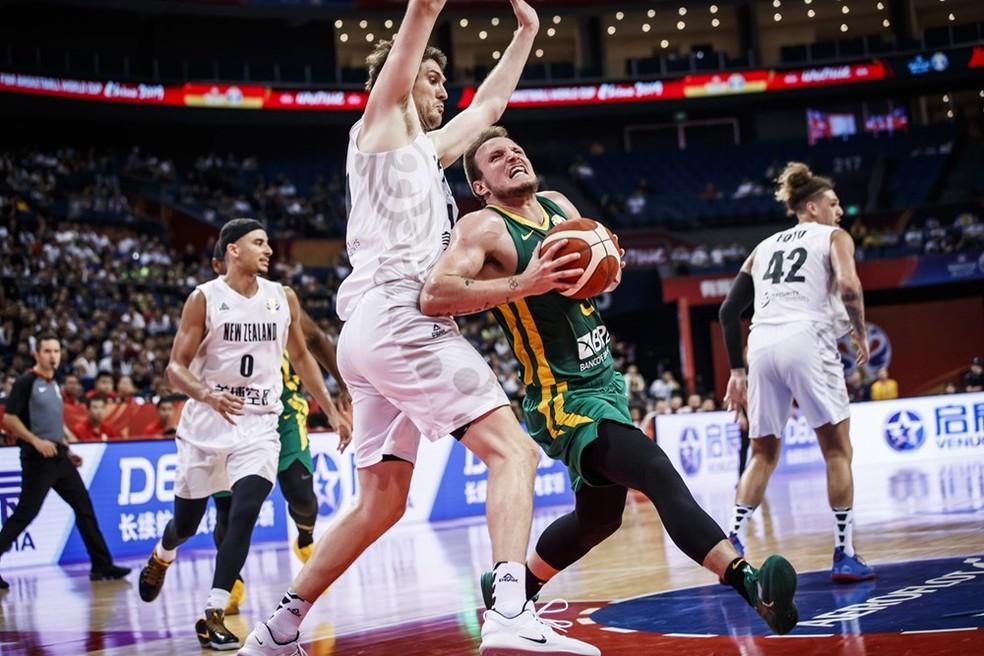 Rafa Luz foi um dos destaques do Brasil na estreia na Copa do Mundo de Basquete, na China — Foto: FIBA