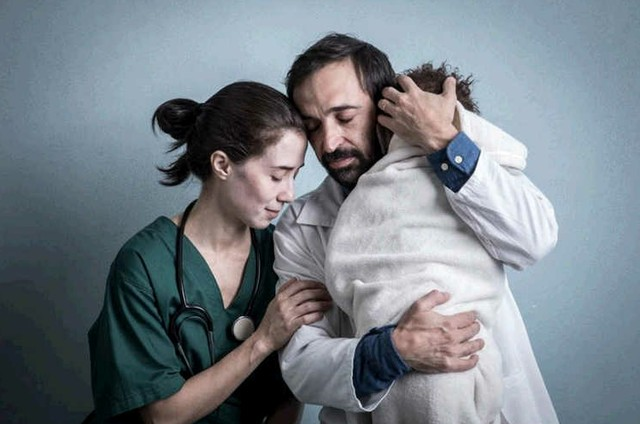 Julio Andrade e Marjorie Estiano em 'Sob Pressão' (Foto: Globo / João Cotta)