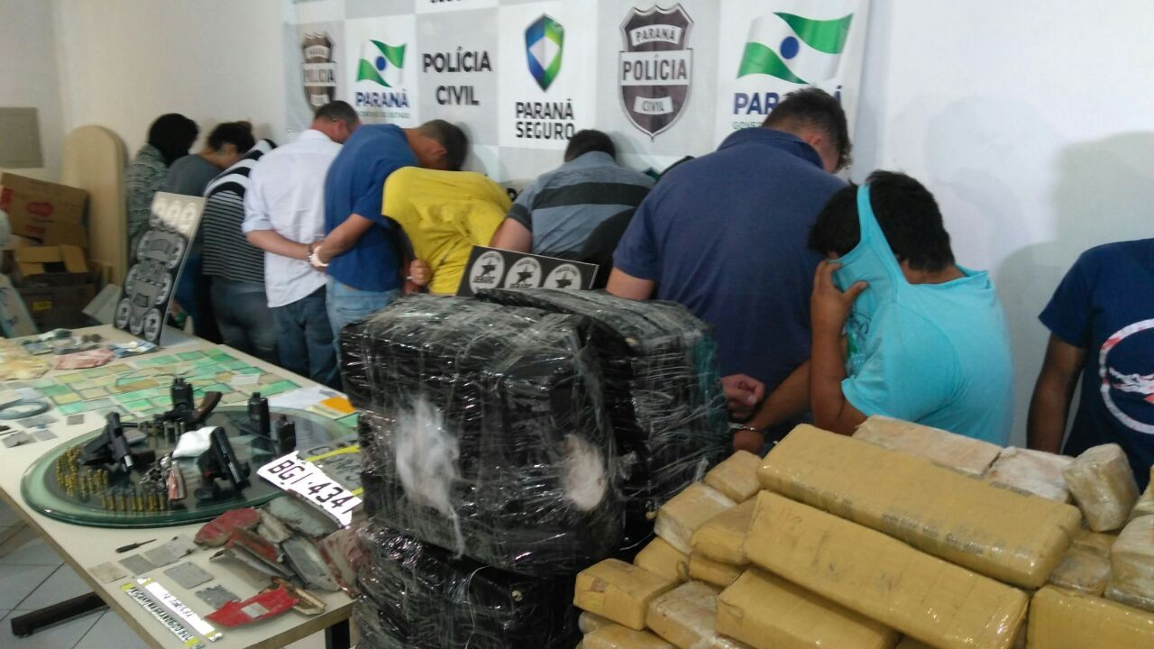 Polícia prende 23 pessoas suspeitas de roubar carros para trocar por drogas no Paraguai
