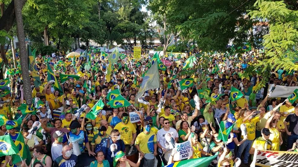 Manifestantes se reuniram em Fortaleza — Foto: G1 CE