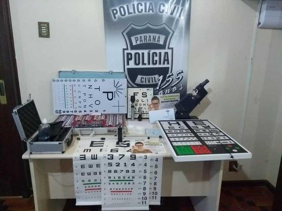 Equipamentos e documentos foram apreendidos na operação Olhos Abertos, em Carambeí (Foto: Polícia Civil/Divulgação)