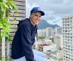 Reynaldo Gianecchini na varanda de sua casa, no Rio | Arquivo pessoal