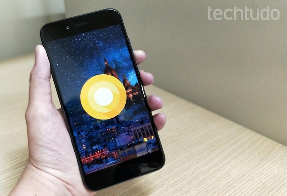 Xiaomi Mi A1 é um dos modelos que devem receber novo filtro de chamadas (Foto: Isabela Cabral/TechTudo)
