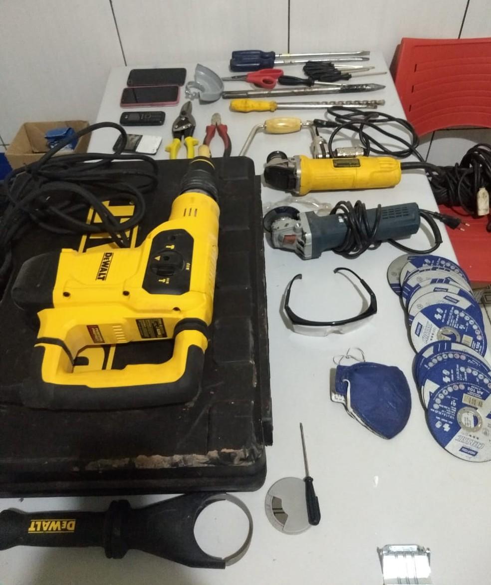 Material apreendido em operação na cidade de Dom Pedro contra suspeitos de arrombar banco no Maranhão — Foto: Divulgação/Polícia Civil