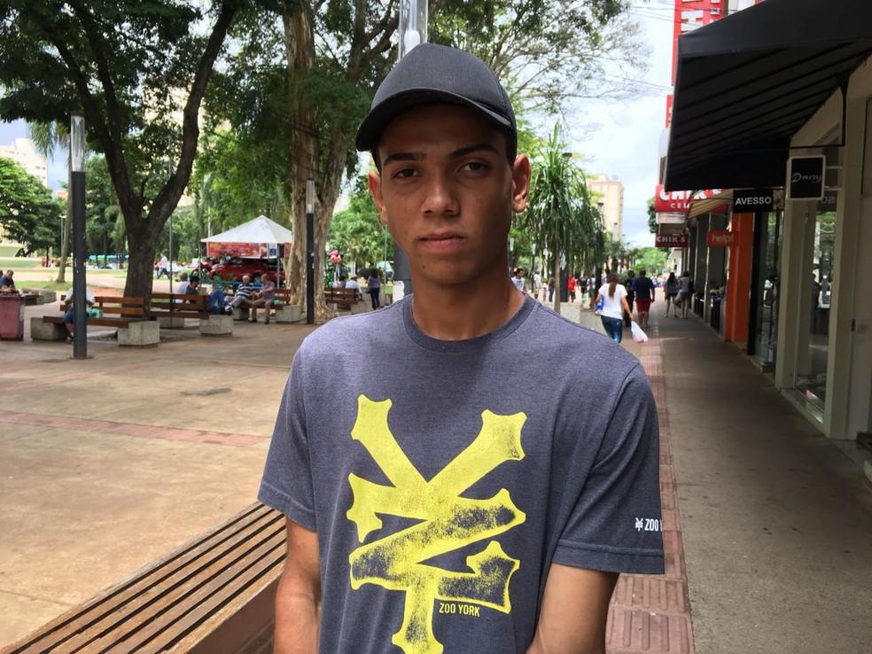 Felipe Eduardo Pires de Campos Silva, de 18 anos, estudante (Foto: Valmir Custódio/G1)