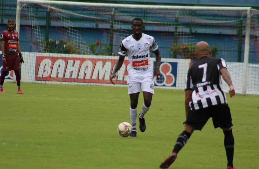 Badio jogou contra o Tupi em Juiz de Fora, pela quinta rodada do Módulo 2 — Foto: Fernanda Trindade