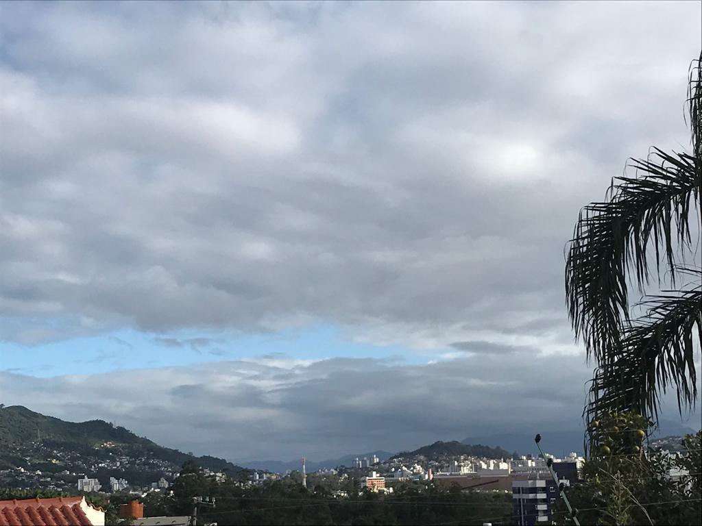 Sábado terá sol entre nuvens e chance de chuva fraca em Santa Catarina - Notícias - Plantão Diário