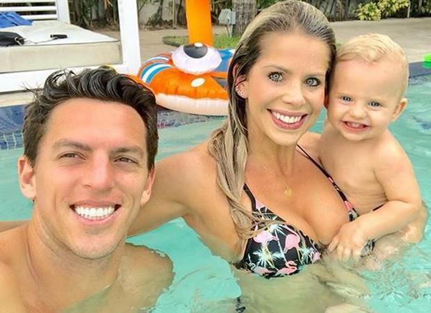 Karina Bacchi em família em Miami (Foto: reprodução instagram)