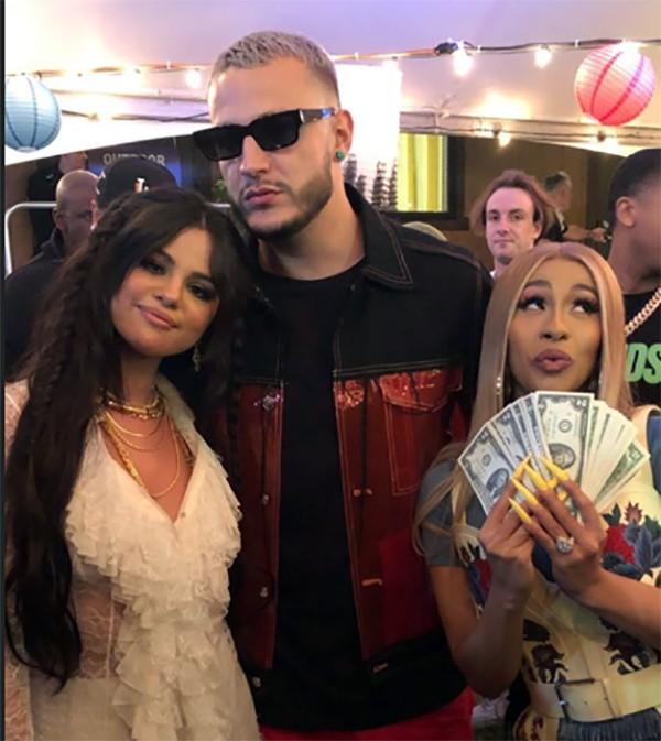 Selena Gomez, DJ Snake e Cardi B no Coachella 2019 (Foto: Instagram)