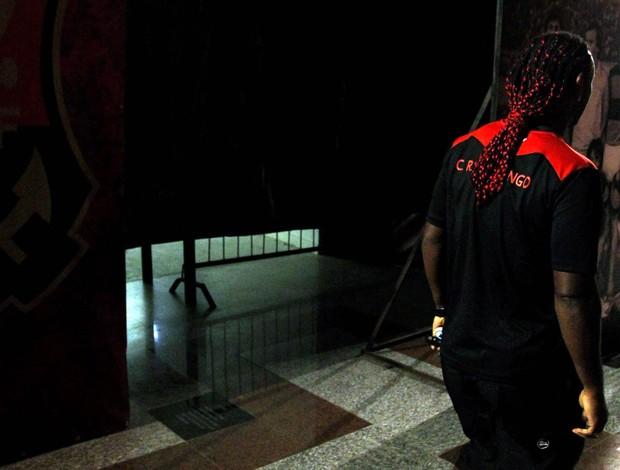 Sem estrelas: saída de Love abre lacuna e deixa Flamengo carente