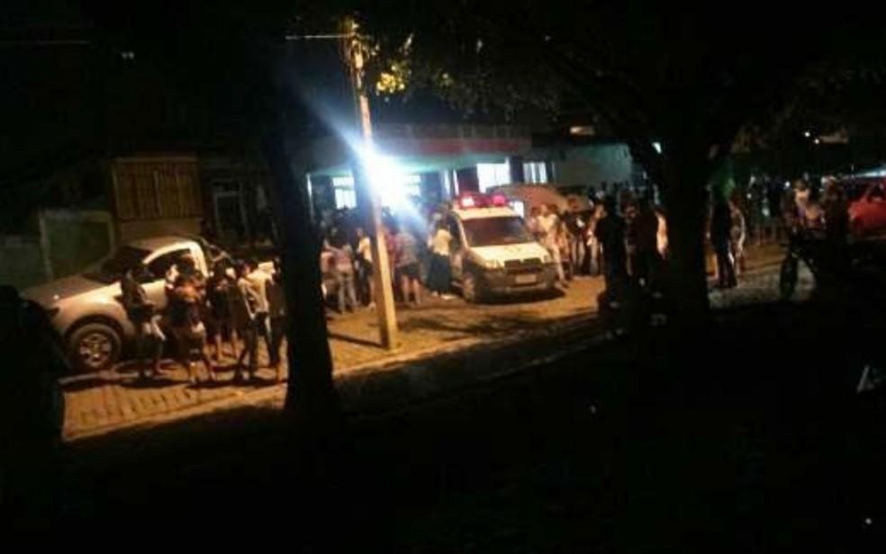 Vítimas foram socorridas pelo Samu para cidades vizinhas  (Foto: Site Ganduzão)