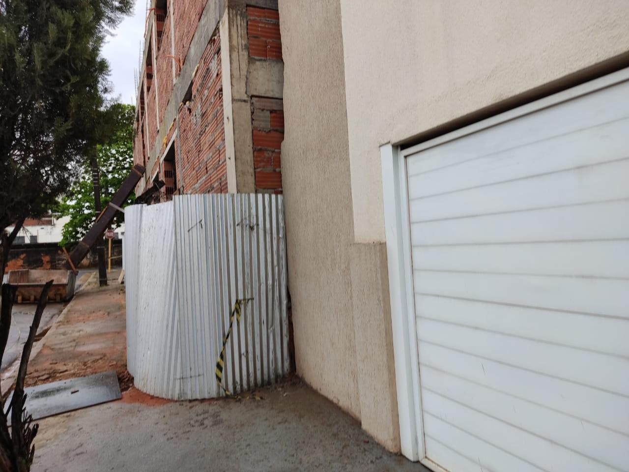 Prefeitura e empresa alegam ao MPE que terreno do Atende Prudente já avançava sobre a calçada antes de desapropriação