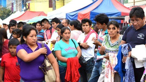BBC - Polícia Federal estima que cem mil bolivianos vivam no Brasil atualmente (Foto: LUIS VASQUEZ/ASSEMPBOL/ VIA BBC NEWS BRASIL)