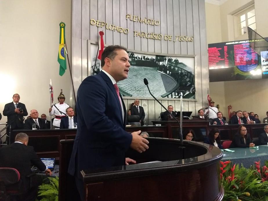 Renan Filho toma posse para o 2º mandato como governador de Alagoas
