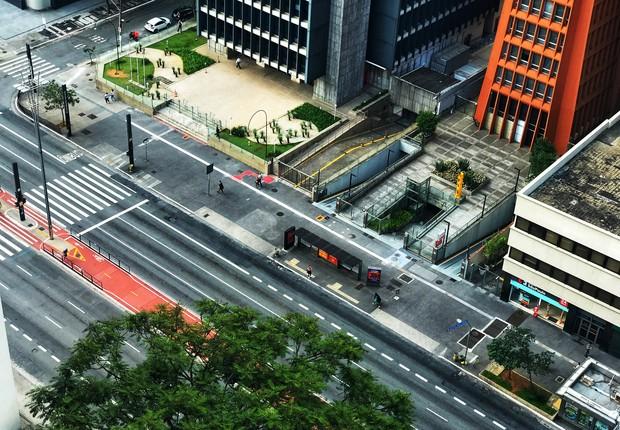 Avenida paulista vazia no domingo, 22 de março, devido ao coronavírus  (Foto: Roberto Parizotti/Fotos Públicas)