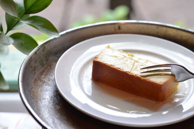 Aprenda a preparar um irresistível pudim de queijo canastra (Foto: Giuliana Nogueira)