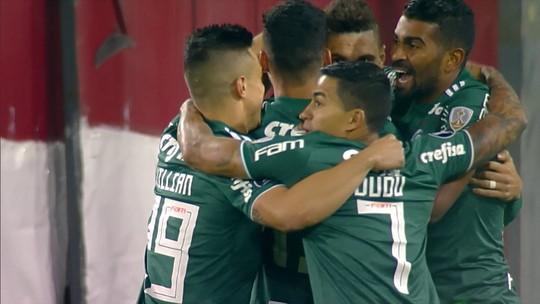 Atuações do Palmeiras: defesa suporta pressão, e Bruno Henrique e Dudu dão vitória