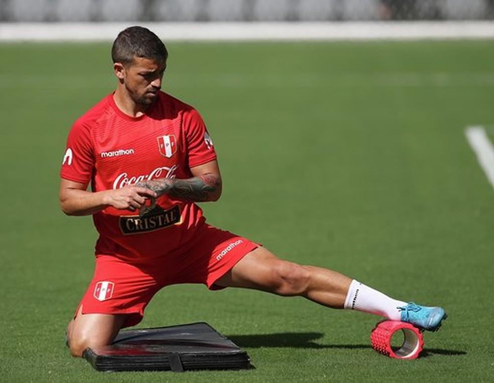 Costa, de 29 anos, vai fazer seu segundo jogo pela seleção peruana — Foto: Divulgação FPF