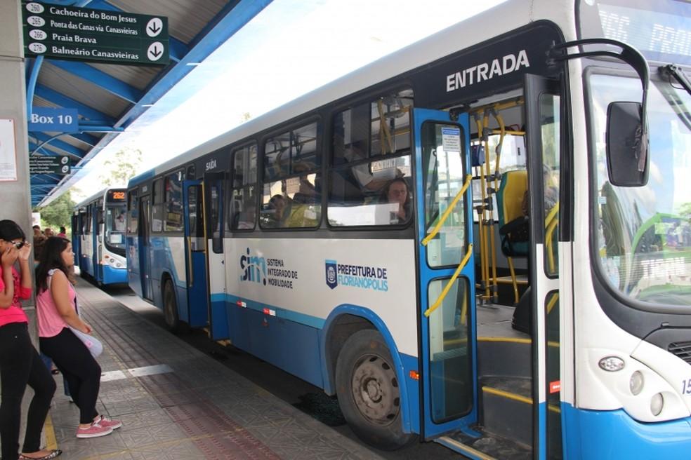 Consórcio Fênix foi multado por problemas de acessibilidade para cadeirantes em ônibus na capital  — Foto: Luiz Gustavo Silva de Freitas/Divulgação