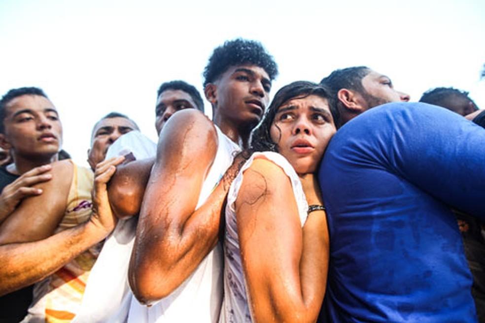 Sob forte calor, fiéis se aglomeraram para acompanhar a imagem de Nossa Senhora de Nazaré — Foto: Thiago Gomes/Agif/Estadão Conteúdo