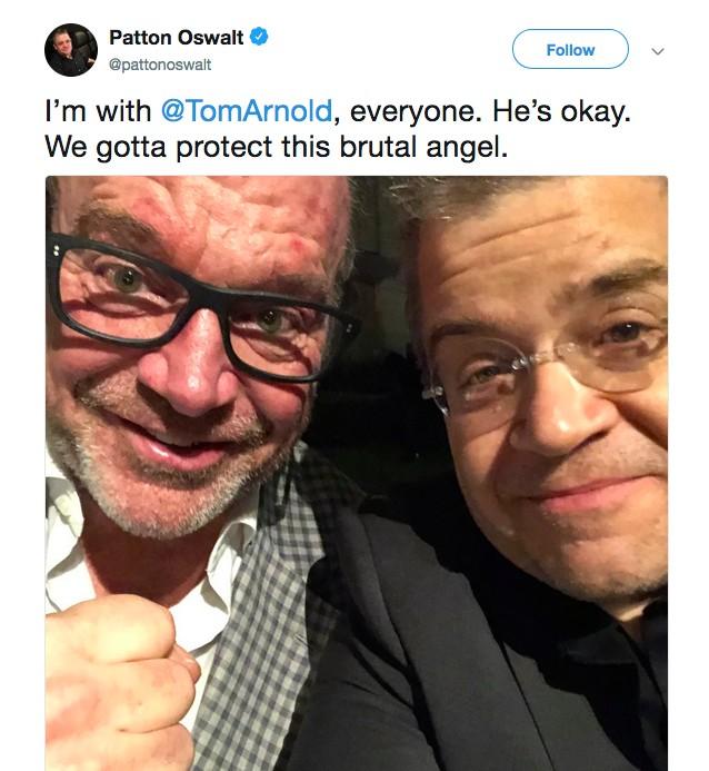 A foto compartilhada por Patton Oswalt falando sobre seu amigo, o ator Tom Arnold (Foto: Twitter)