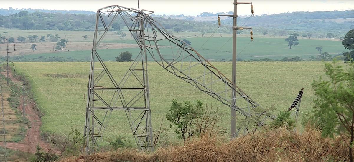 Cemig vai interromper energia nos 13 municípios do Triângulo afetados por quedas de torres para manutenção final na rede de transmissão