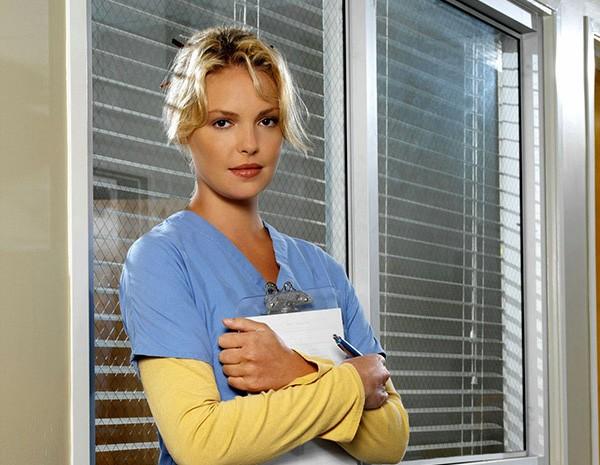 Katherine Heigl como Izzie Stevens em Greys Anatomy (Foto: Divulgação)