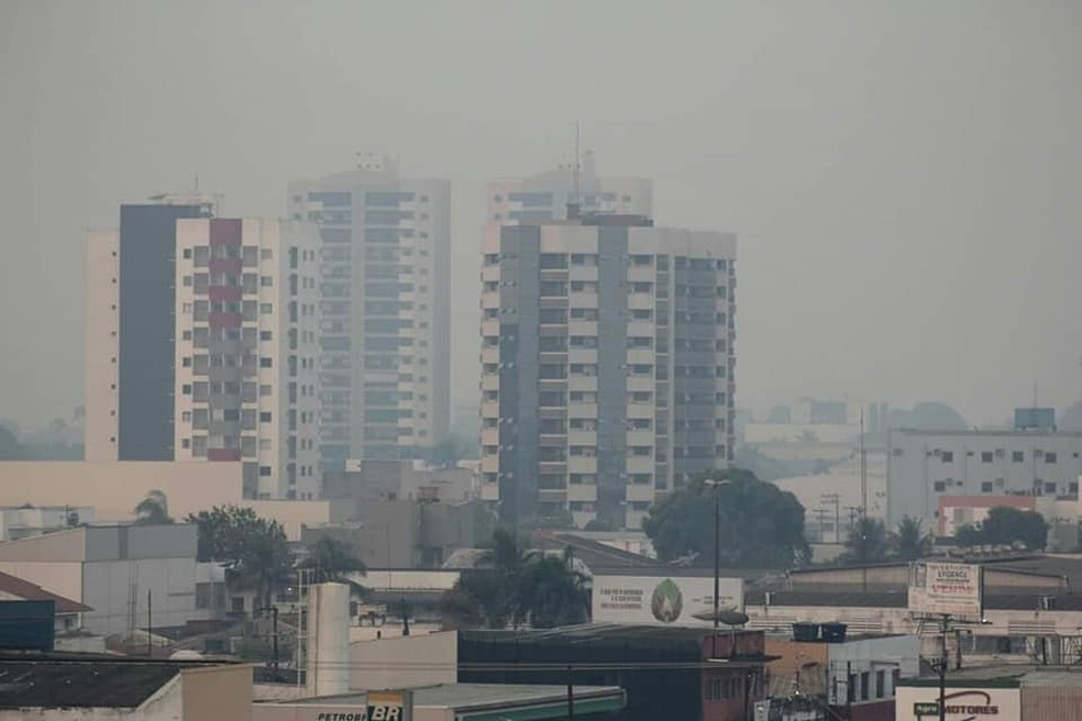 Fumaça em Porto Velho  — Foto: Marcelo Gladson/ Reprodução Redes Sociais