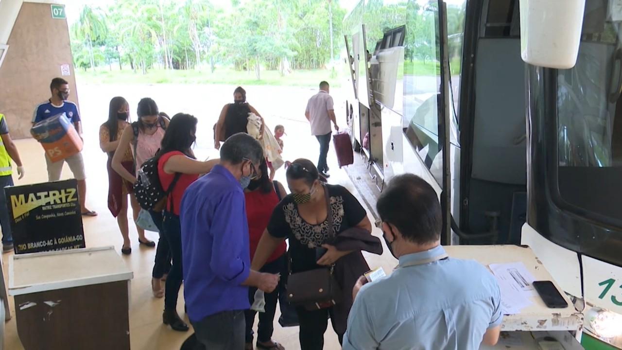Muitos eleitores tiveram que viajar para poder votar na cidade natal