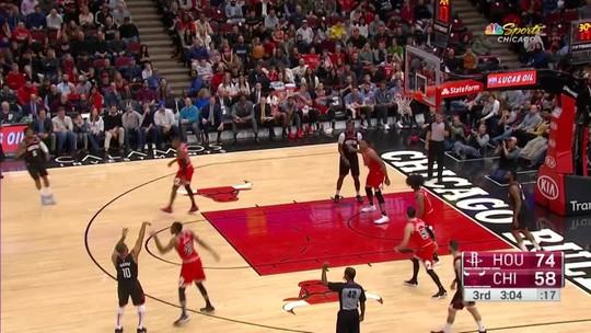 Imparável, Harden brilha com 42 pontos, flerta com triplo-duplo e leva Rockets à vitória sobre os Bulls